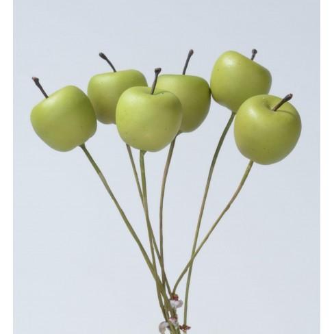 Зелена ябълка на тел